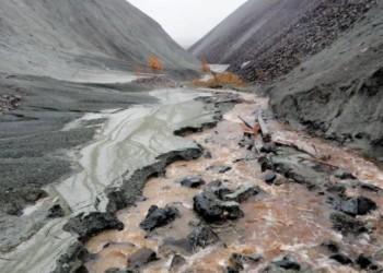 JOURNAL DE MONTRÉAL-QUÉBEC - Inquiétude à Thetford Mines: des résidus d'amiante menacent des lacs et rivières